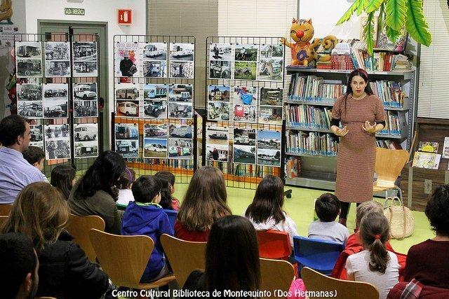La Biblioteca de Montequinto rinde tributo a su origen en el Día del Bibliobús