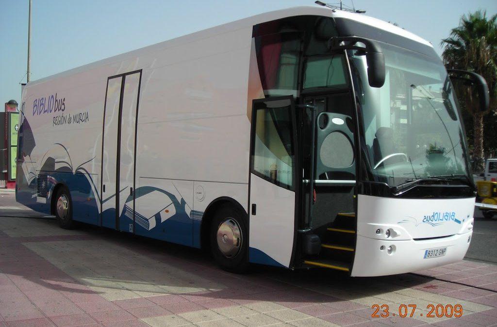 El Bibliobús B de Murcia, cinco meses sin servicio.