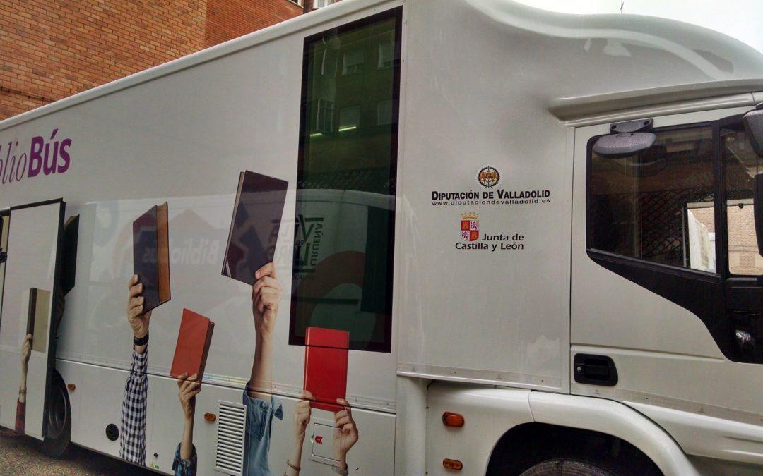 Los Bibliobuses de Valladolid estrenan vehículo.
