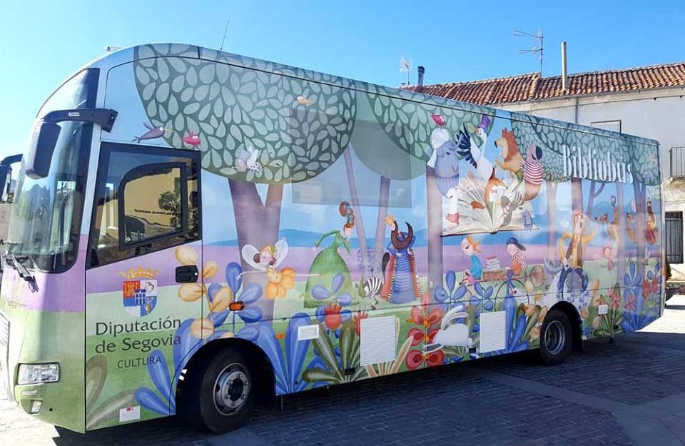 Los Bibliobuses de Segovia se quedan en casa, «'yo me quedo en casa' y tú nos cuentas»
